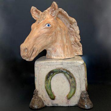 Tête de cheval sur socle